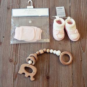 Baby girl bundle shower gift set
